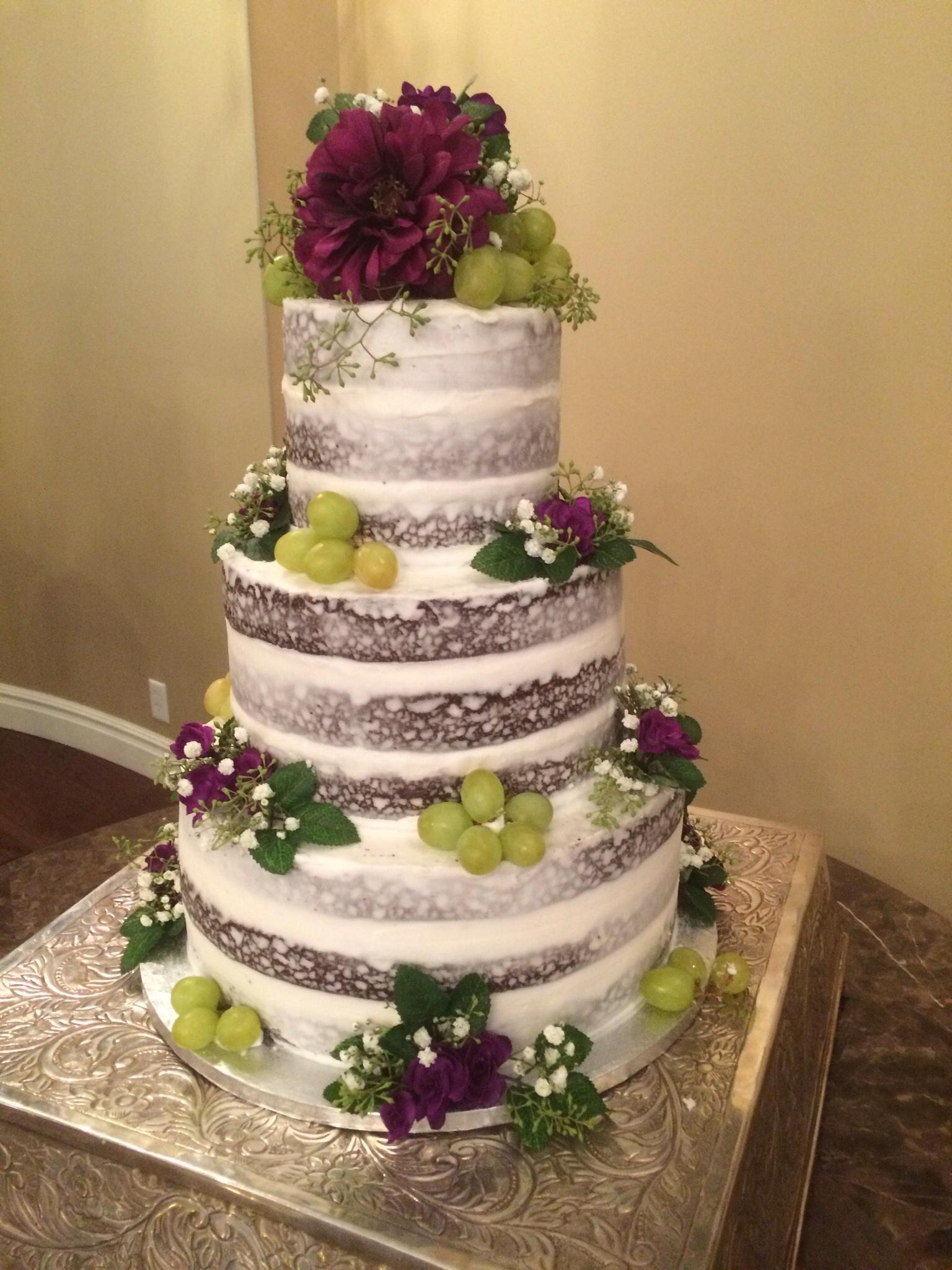 Naked cake and fruit